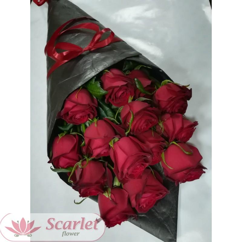 Букет 15 роз в кульке.